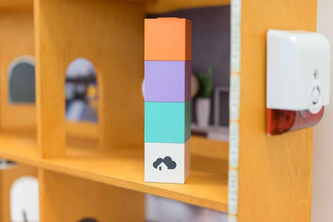 homee zigbee cube. Black Bedroom Furniture Sets. Home Design Ideas